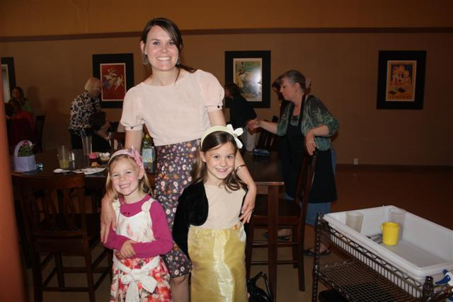Molly, Esther and Elizabeth  093 (Small).jpg